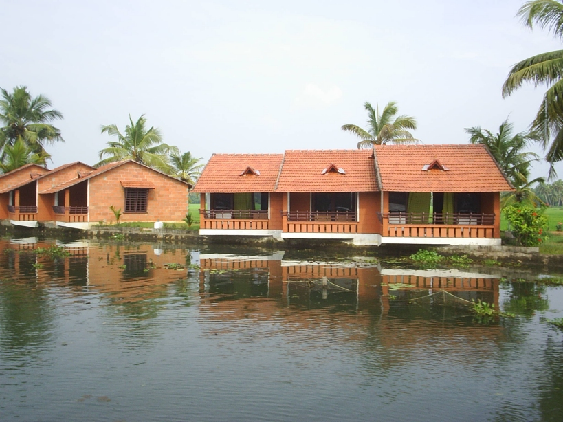 3 Nights 4 days Alleppey Backwater & Beach-per person 5750/-