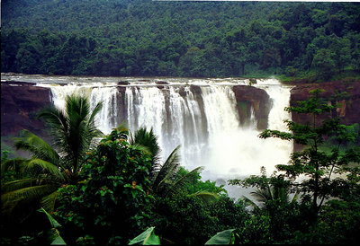 Fixed Departure 18th April to 20 April 2015 Athirampally Waterfalls & Sholayar Jungle Tour Package Rs.4700/- per Person